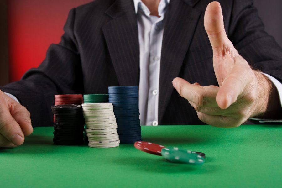 live poker strategy